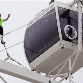 Nik Wallenda completes walk of 400-foot wheel in Orlando