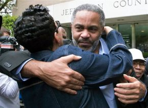 State lacks evidence, frees man after 30 years on deathrow