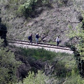 Police: 14 migrants killed by train inMacedonia
