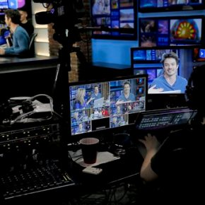 'RightThisMinute' provides viewers quick hits from theWeb