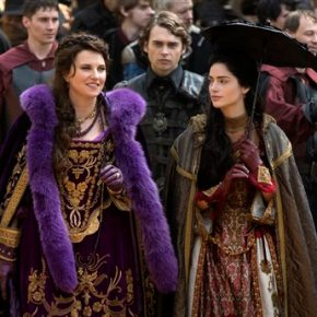 Lucy Lawless is bewitching as a newcomer to WGN's'Salem