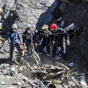 Alps crash: Bodies recovered, but families must waitmonths