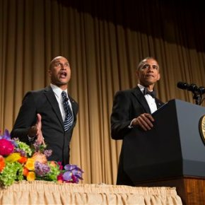 Obama turns 2016 hopefuls into comic fodder for media dinner