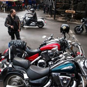 Poland bans 'provocative' Russian bikers loyal to Putin