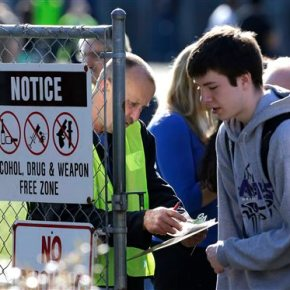 Teacher tackled teen during Washington high schoolshooting