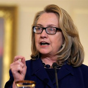 Sliver of Clinton emails hint at lingering politicaltrouble