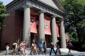 Asian groups file complaint over Harvard admission practices