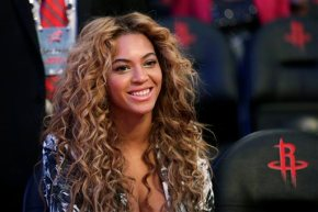 Beyonce visits Haiti to see progress made since 2010quake