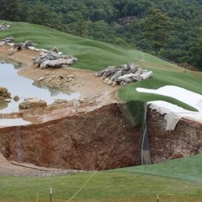 Giant hole forms at entrance of Missouri golfcourse