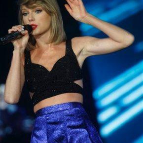 Taylor Swift closes Rock In Rio USA festival in LasVegas