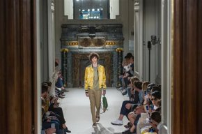 Menswear fashion week kicks off in Paris amidheat
