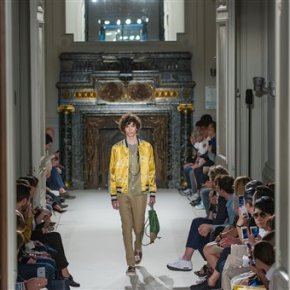 Menswear fashion week kicks off in Paris amid heat
