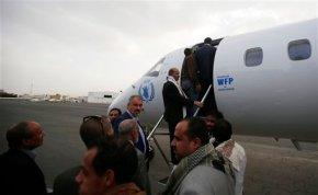 Yemen rebel delegation leaves for Genevatalks