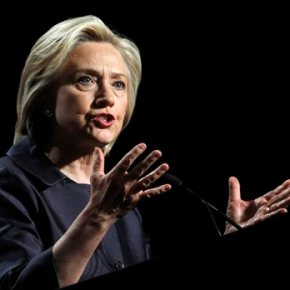 Clinton to meet with church officials near Ferguson unrest