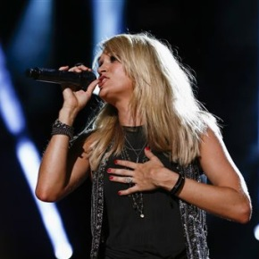 Carrie Underwood hits her stride at CMA MusicFestival