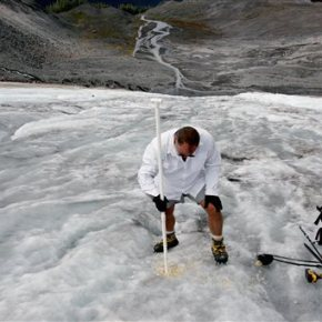 Scientists, tribe study shrinking Washington stateglacier