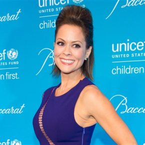 Brooke Burke-Charvet to co-host Miss America pageant