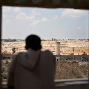 Egypt starts dig on Gaza border to stop smugglingtunnels