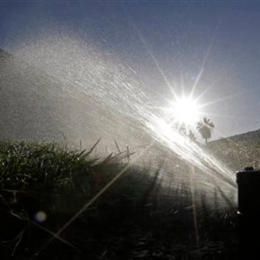 Californians cut water without state imposingfines