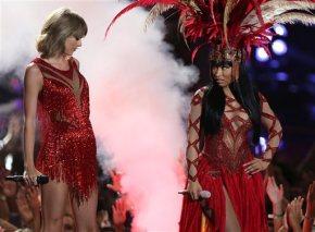 Nicki Minaj calls out Miley Cyrus at MTVVMAs