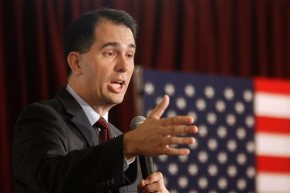 Seeking '16 spark, Walker proposes vast union restrictions