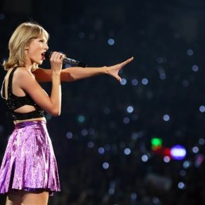 With guest-filled tour, Swift's star power shines brighter