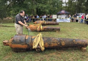 Archaeologists pluck 3 Civil War cannons from river site