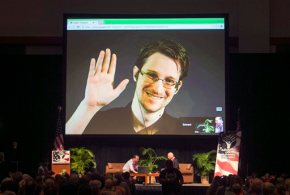 'Can you hear me now?' Snowden joins Twitter, follows NSA