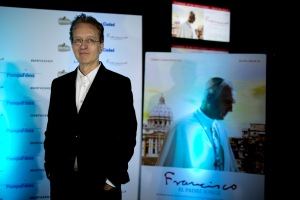 """Director Beda Docampo Feijoo  poses for a picture during the Avant premiere of """"Francisco. El Padre Jorge,"""" in Buenos Aires, Argentina, Tuesday, Sept. 8, 2015. The film about Pope Francis 's life will hit the cinemas on Sept. 10.  (AP Photo/Natacha Pisarenko)"""