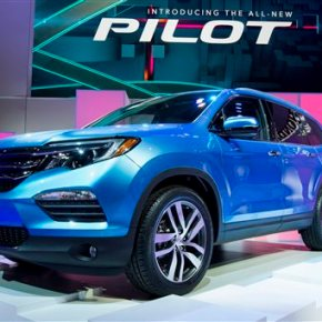 New Honda Pilot looks smaller but adds interior room,power