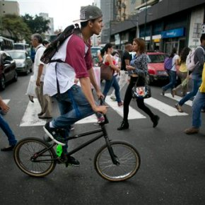 Car-crazed Caracas begins to yield space tobicycles