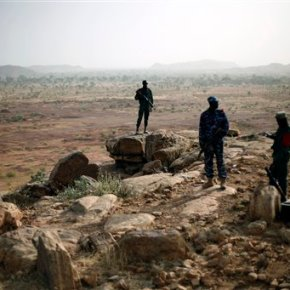 Extremists attack Malian army checkpoint, killing 2soldiers