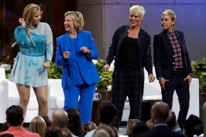 Clinton visits 'Ellen,' wins DeGeneres' vote of approval