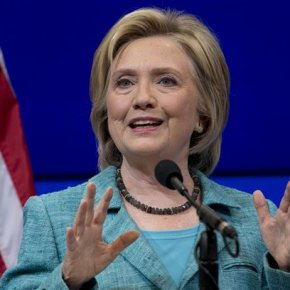 Clinton stirs up old difference with Obama on foreignpolicy