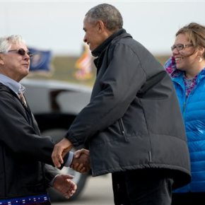 On Arctic voyage, Obama banks on power of his celebrity