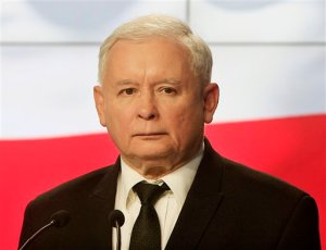 In this Sept. 30, 2015 photo Former Polish prime minister Jaroslaw Kaczynski speaks at a news conference in Warsaw, Poland. Kaczynski shocked some in Poland when he said Tuesday, Oct. 13, 2015, that migrants who have arrived recently in Europe are carrying diseases that could hurt the local populations. Some of his left-wing opponents said his language is racist and reminded them of the scare tactics used against Jews in Nazi Germany. (AP Photo/Czarek Sokolowski)