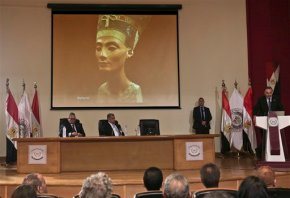Egypt pledges fast work amid search for Nefertiti's tomb