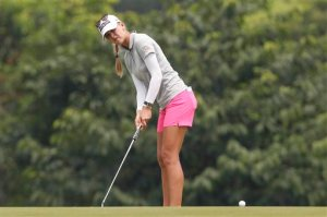 Jessica Korda of the United States watches her putt on the ninth green during the third round of the LPGA Malaysia golf tournament at Kuala Lumpur Golf and Country Club in Kuala Lumpur, Malaysia, Saturday, Oct. 10, 2015. (AP Photo/Joshua Paul)