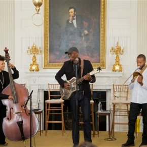 Obama puts White House light on diversity in American music