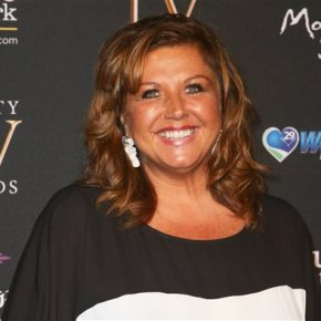 Feds: 'Dance Moms' star hid show income duringbankruptcy
