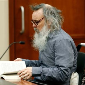 Jury deliberates 6 hours; no verdict in triple murdercase