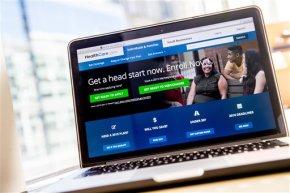 Is Obama's health overhaul losingsteam?