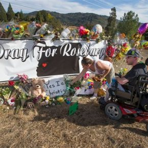 Mother-son bond over guns links Oregon, Connecticut slayings