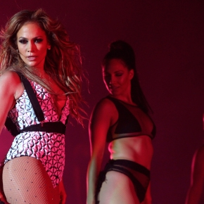 Jennifer Lopez to host the 2015 American Music Awards