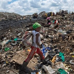 Toxic Kenya dump embodies pope's environmental concern