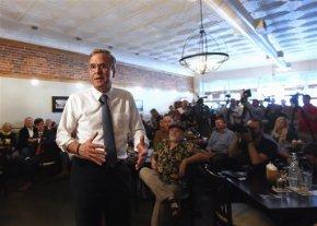 Bush using Paris attacks to pitch broad militarybuildup