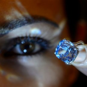 Hong Kong tycoon buys $48.5M diamond at auction for daughter