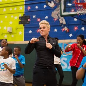 Pink joins UNICEF in fight to end childmalnutrition