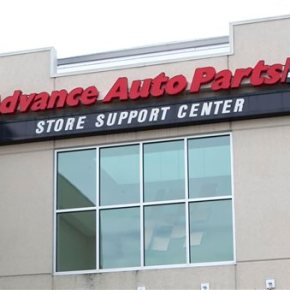 Advance Auto Parts misses Street 3Q forecasts, cuts guidance