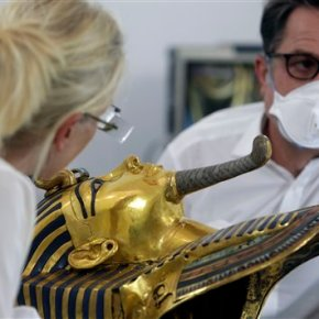 Egypt antiquities officials scoff at Carson pyramidclaims